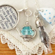 Alice In Wonderland Tea Necklace