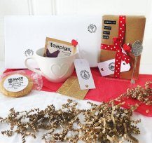 blind-date-with-a-book-gift-box