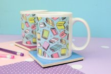 book-pattern-mug