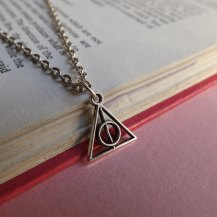 deathly-hallows-necklace